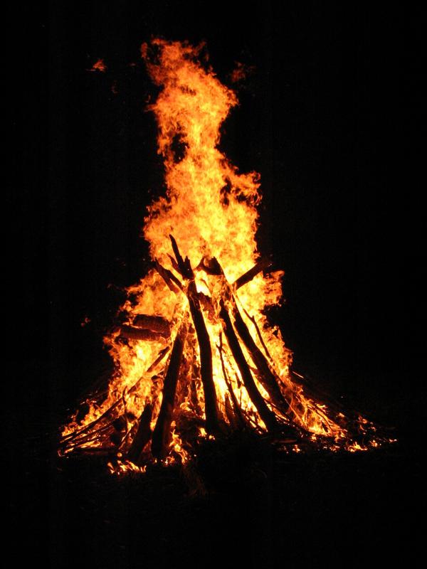 Bonfire by night by game-breaker