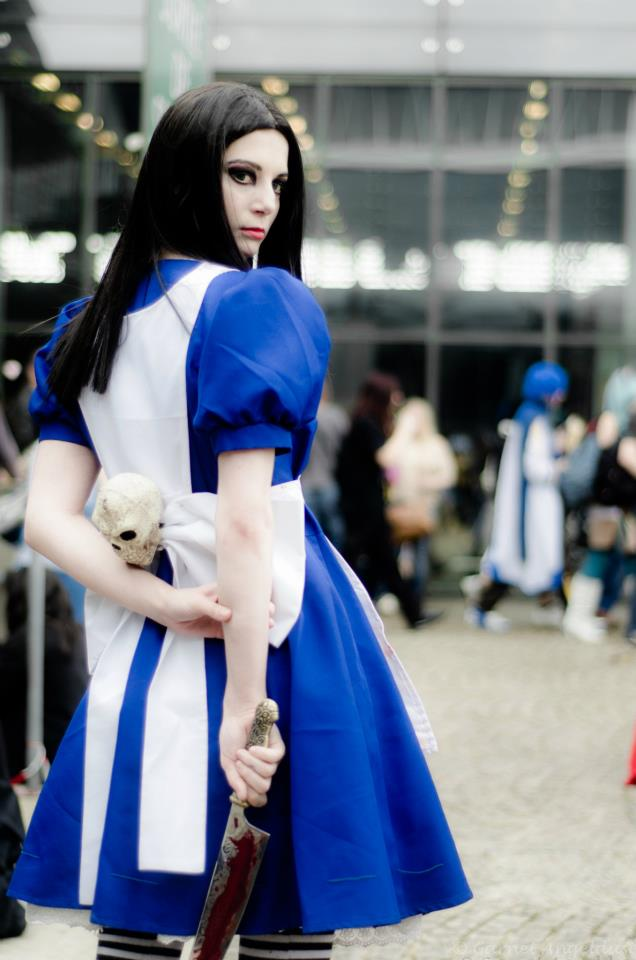 Alice return to madness cosplay