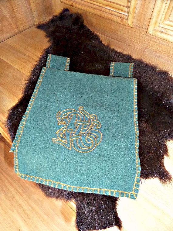 Woolen belt pouch by Glapsvidur