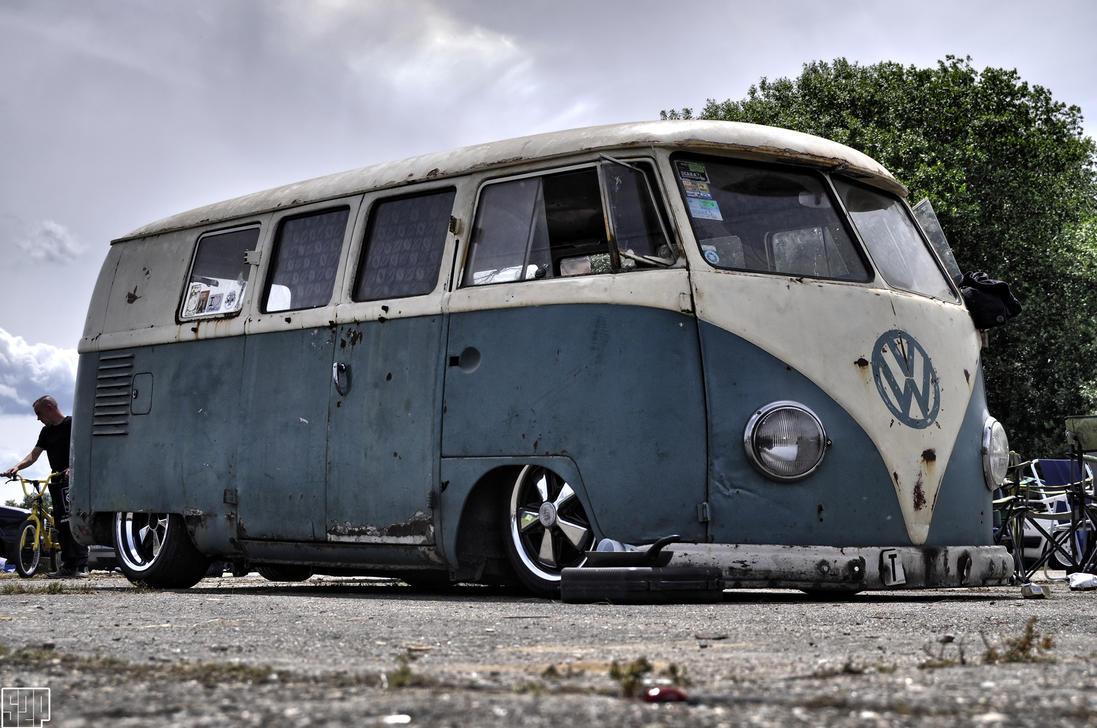 Volkswagen Bus by SnooP57 on DeviantArt