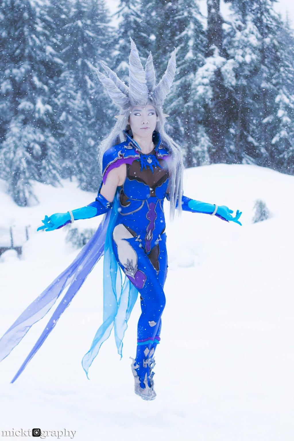 Final fantasy shiva cosplay