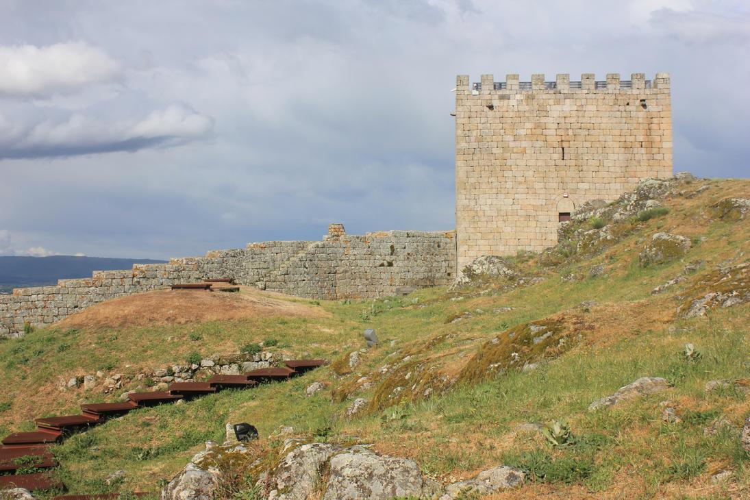 Celorico da Beira castle by Andre-anz