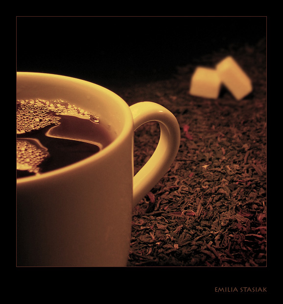 Tea time by Emielcia