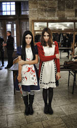 Alice vs Alice by NatalieCartman