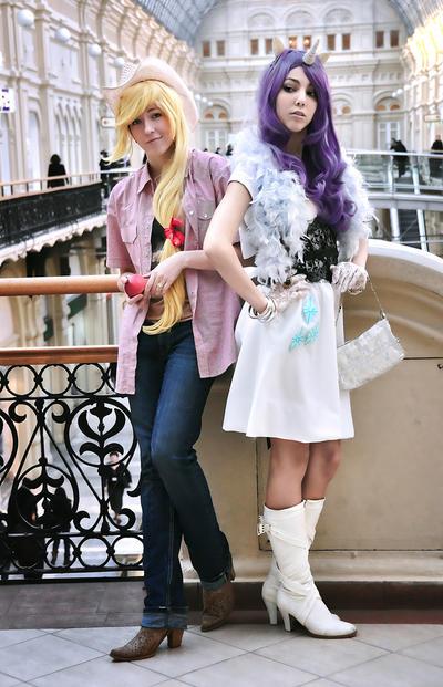 My Little Pony cosplay - Applejack vs Rarity by NatalieCartman