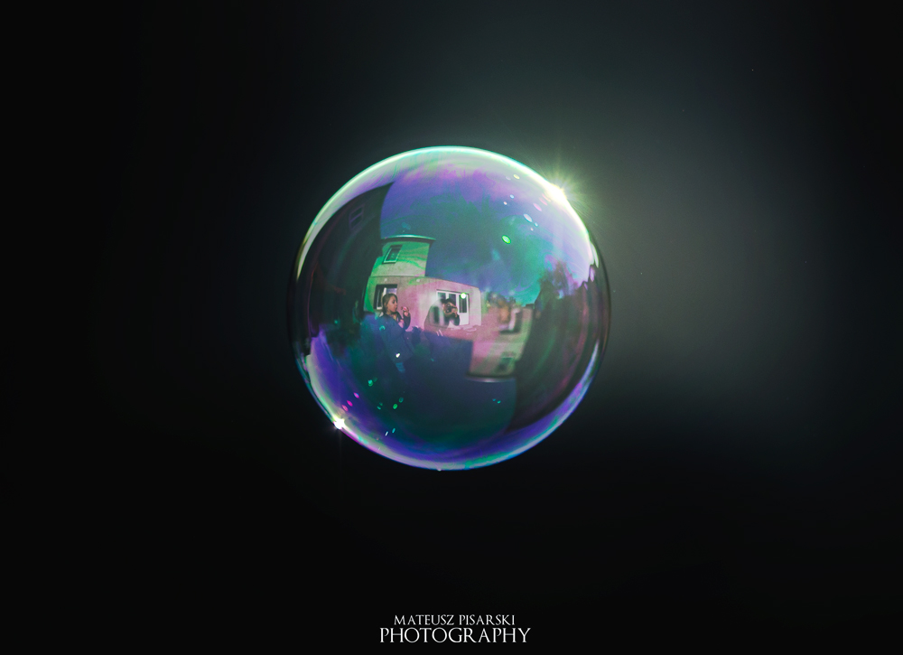 Flying Bubble. by MateuszPisarski