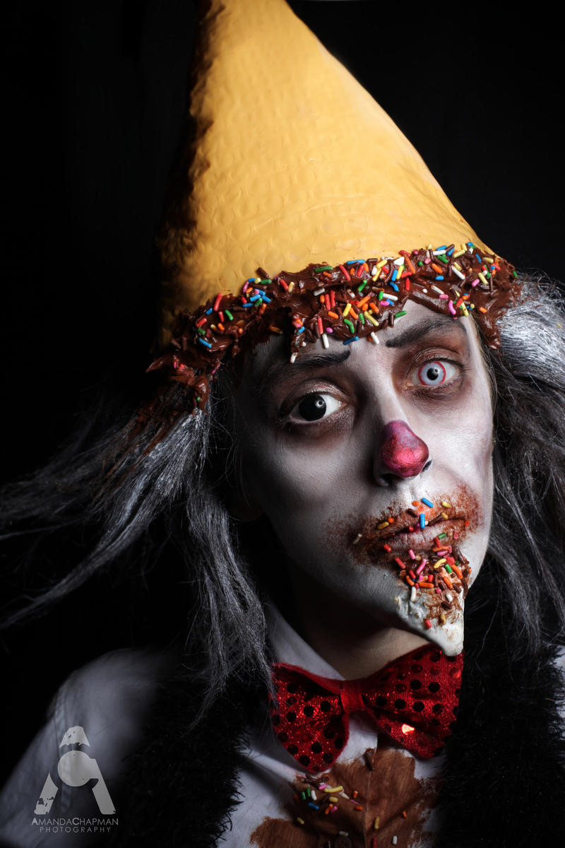 Ice Cream Clown by Prettyscary