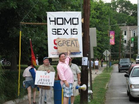 Anti-gay Rally gets pwn'd
