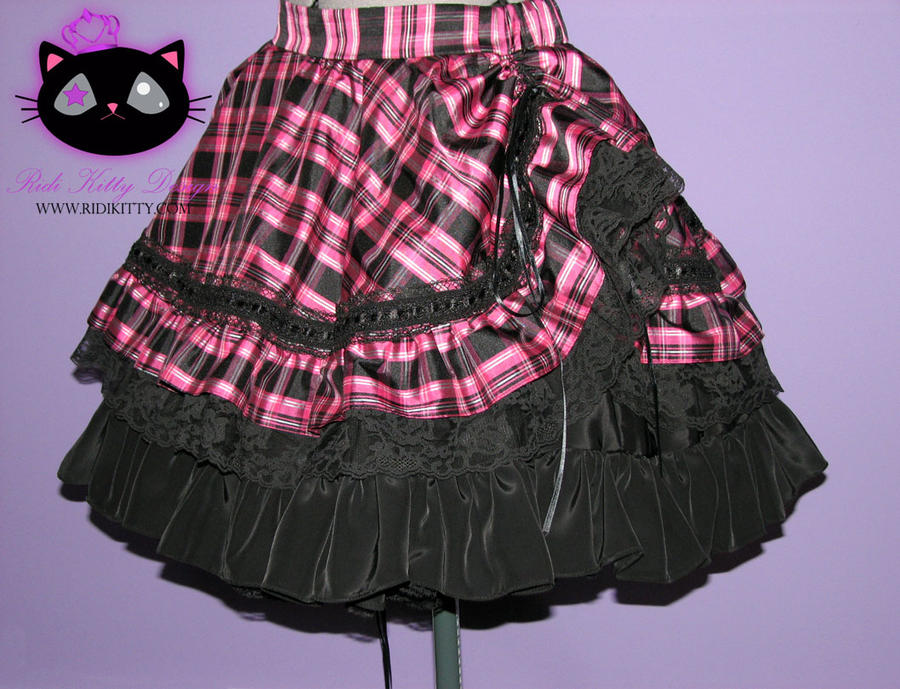 Bustle skirt by Ridikittydesign