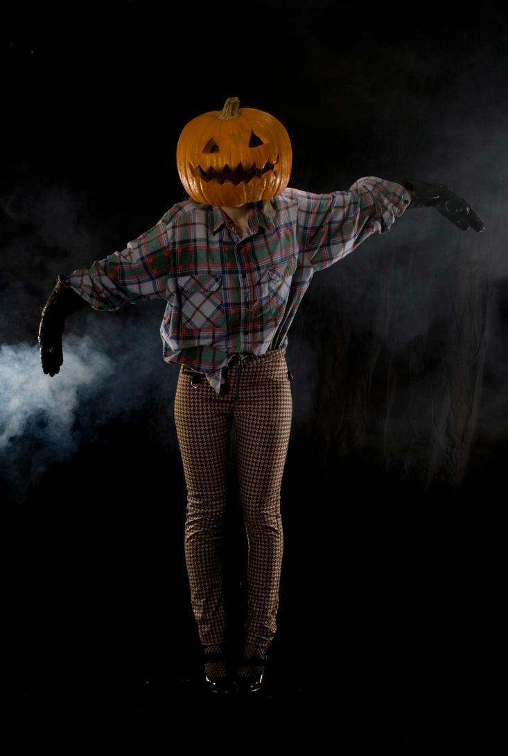 http://th05.deviantart.net/fs50/PRE/i/2009/303/6/4/Halloween_1_by_Paindancer.jpg