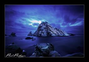 Sugar Loaf Rock by paulmp