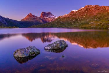 Dove Lake, Tasmania, Australia by paulmp