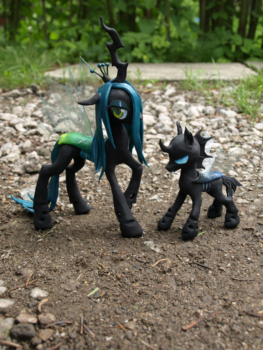Queen Chrysalis and Changeling by RoyalThebat