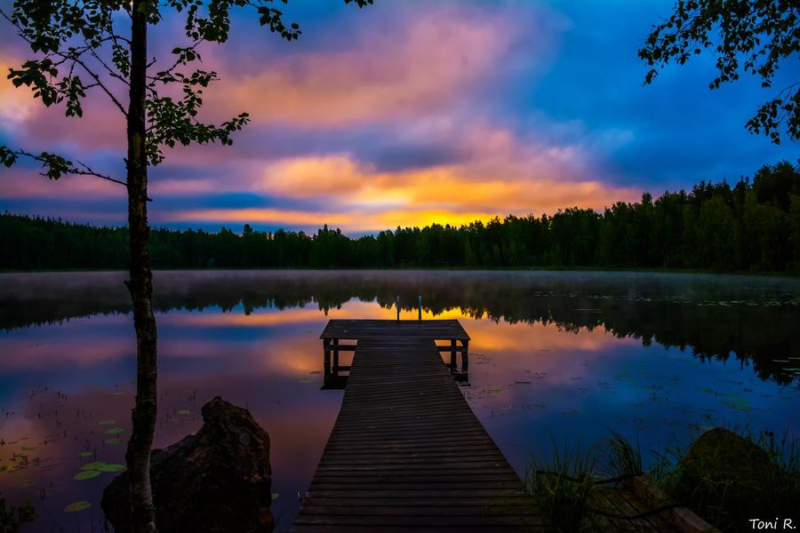Aamun Hiljaisuus by Toni-R