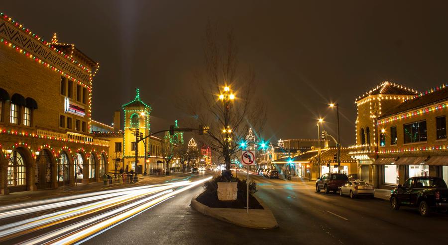 Plaza Lights by durmonkee
