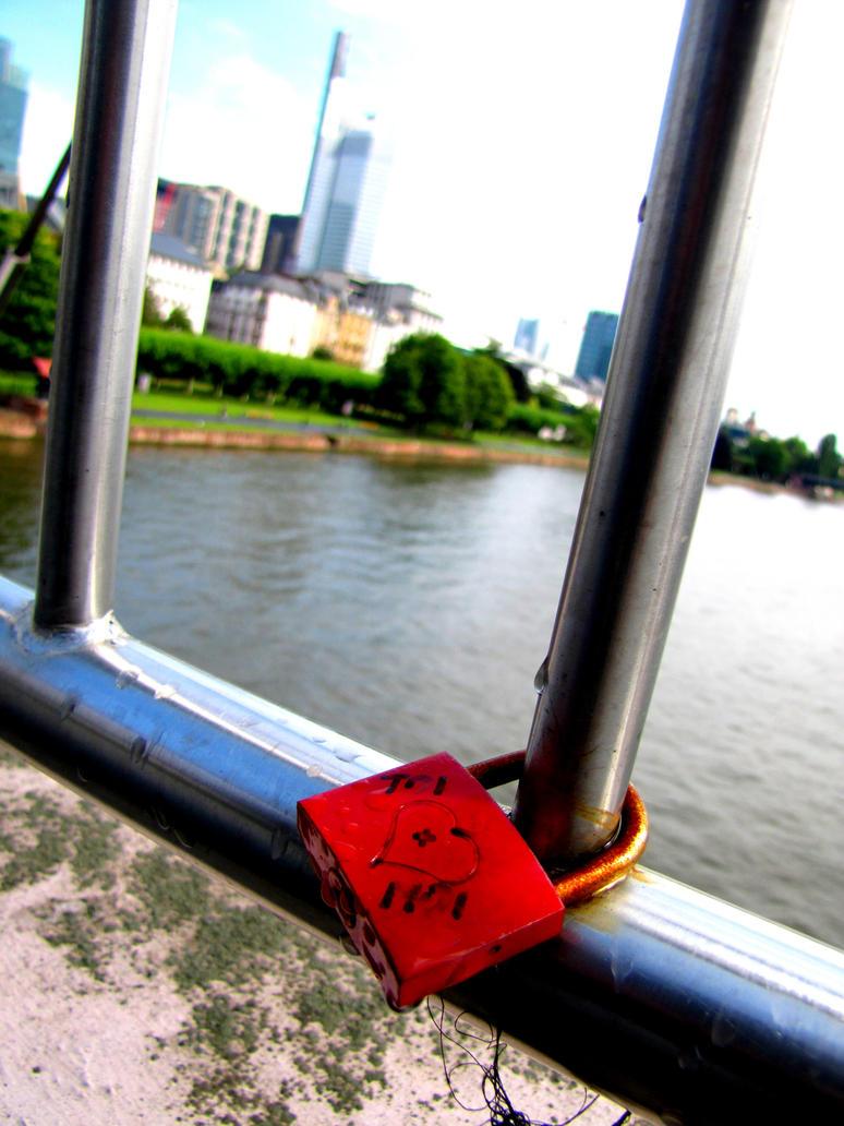 Love-s_padlock_Frankfurt by Cam-s-creations