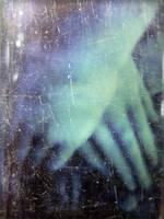 hands in glass by kuru93