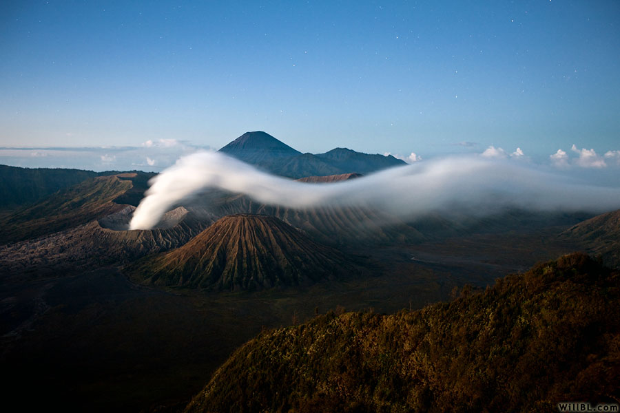 Bromo Pre-Dawn by willbl