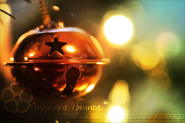 15 Beautiful Christmas Wallpapers & Images