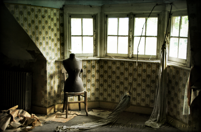 :: Urbex - dressed in dust :: by Liek