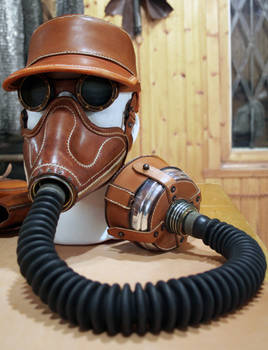 Altitude mask, kepi and goggles in natural tan