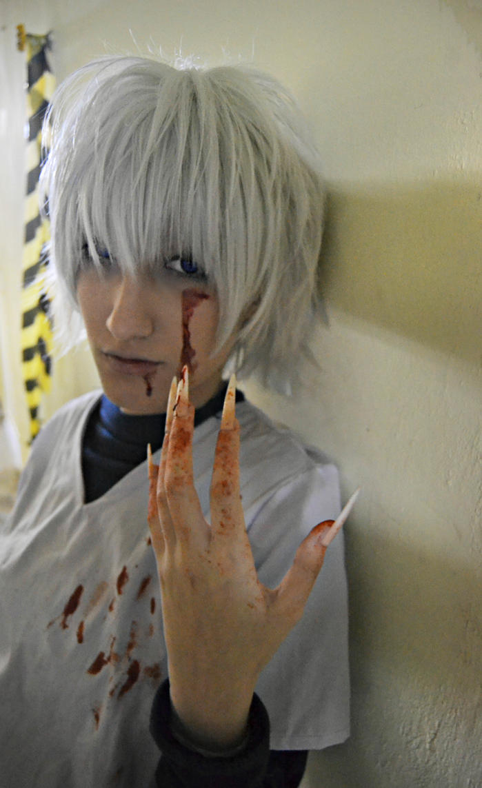 Killua - Blood Shoot I. by TakaMoony