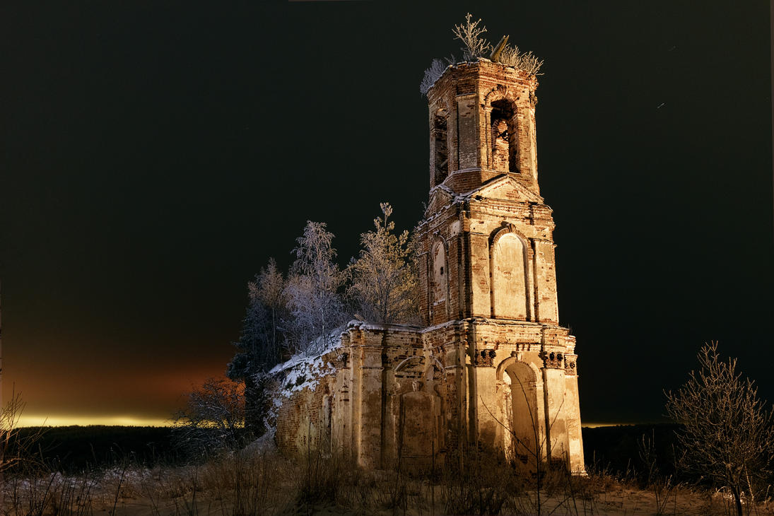 Midnight church #2 by aphoeriks