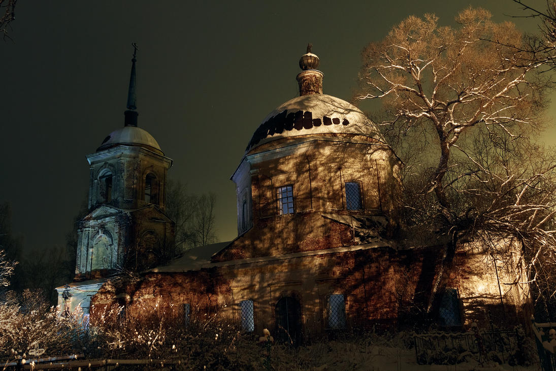 Abandoned church by aphoeriks