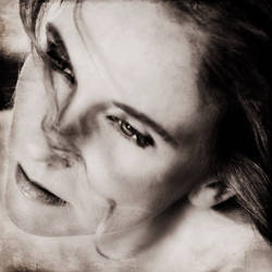 Sara Marlowe - 2 by azhurian