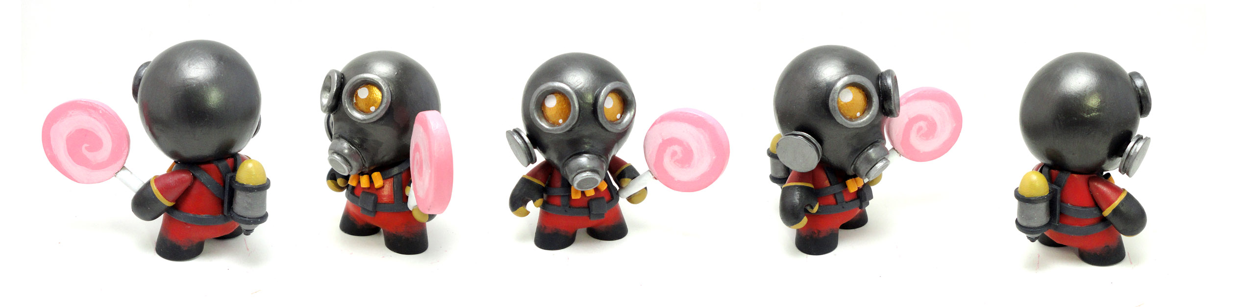 TF2 Pyro Munny by FlyingSciurus