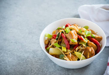 Chicken kung pao with vegetables