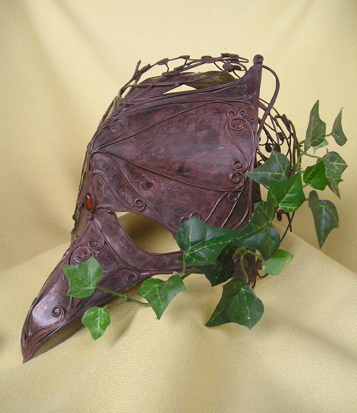 Bird Mask by Schnoerkelschmuck