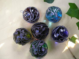 Marbles by Schnoerkelschmuck
