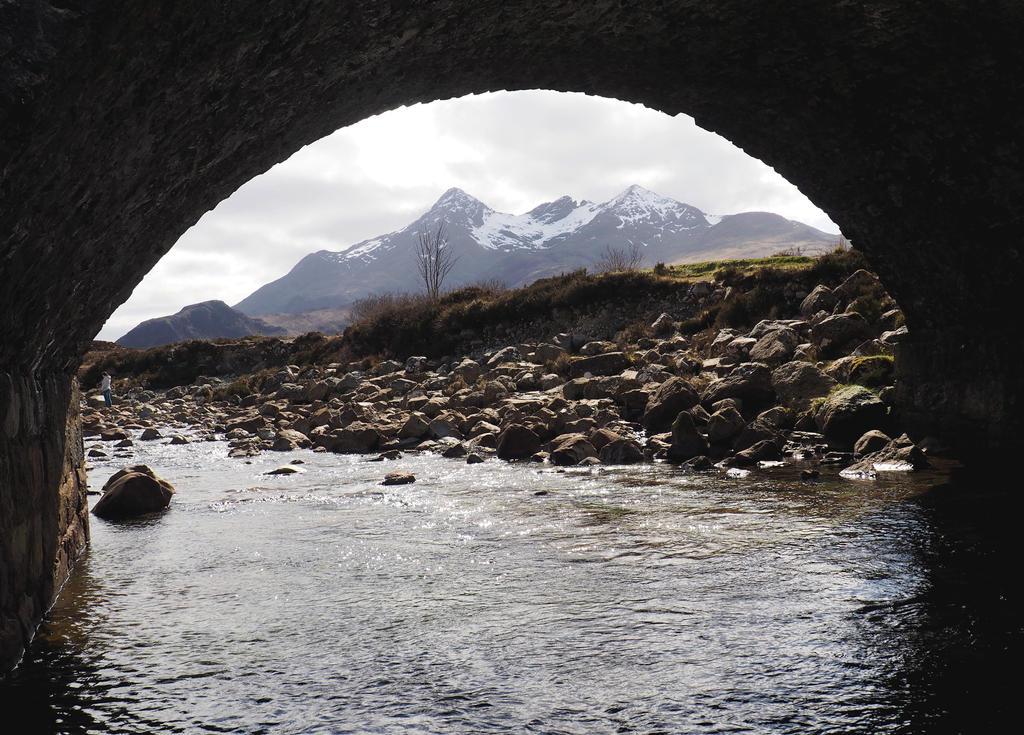 Sligachan Old Bridge by Enlothien