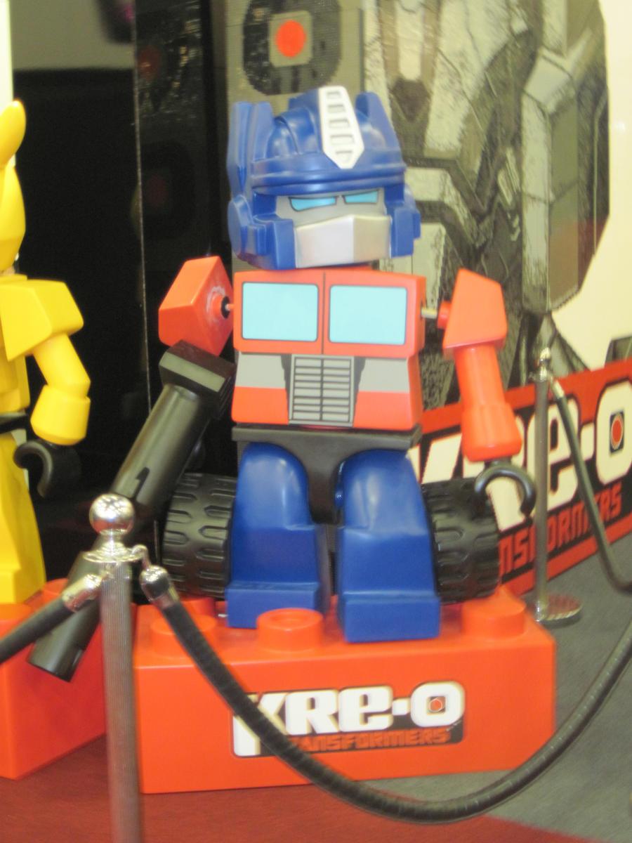 Little Optimus by peanutchan