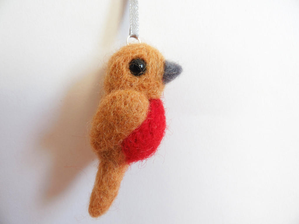 Needle Felted Robin by KleeNoodle
