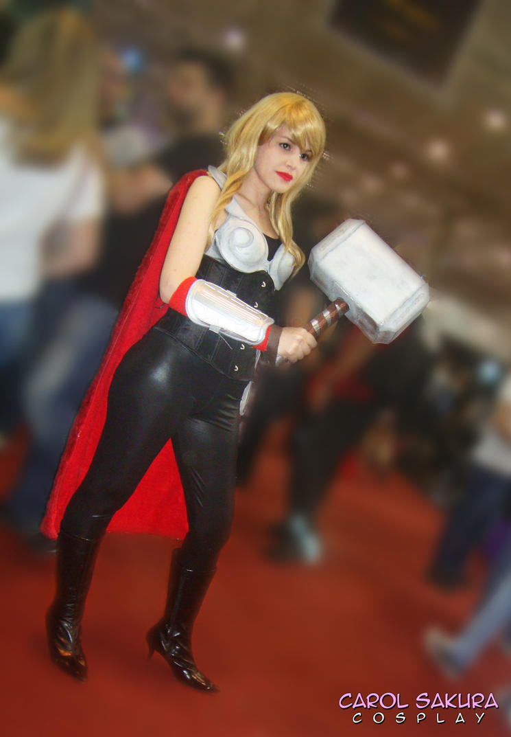 Thor Female Cosplay by CarolSakura