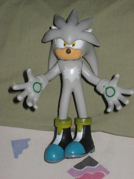Silver The Hedgehog Figure by tanlisette