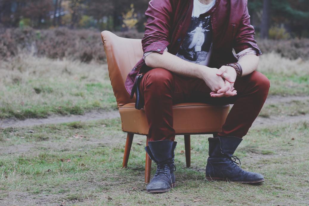 Sit Down by joelbenjamin