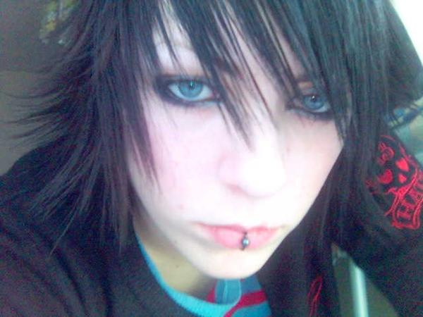 Lip Piercing - Me by xXx-Sky-xXx