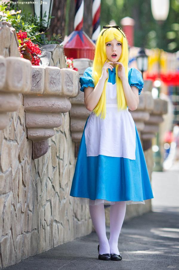 Alice in Wonderland - What is it? by Ariru-lunaticOo