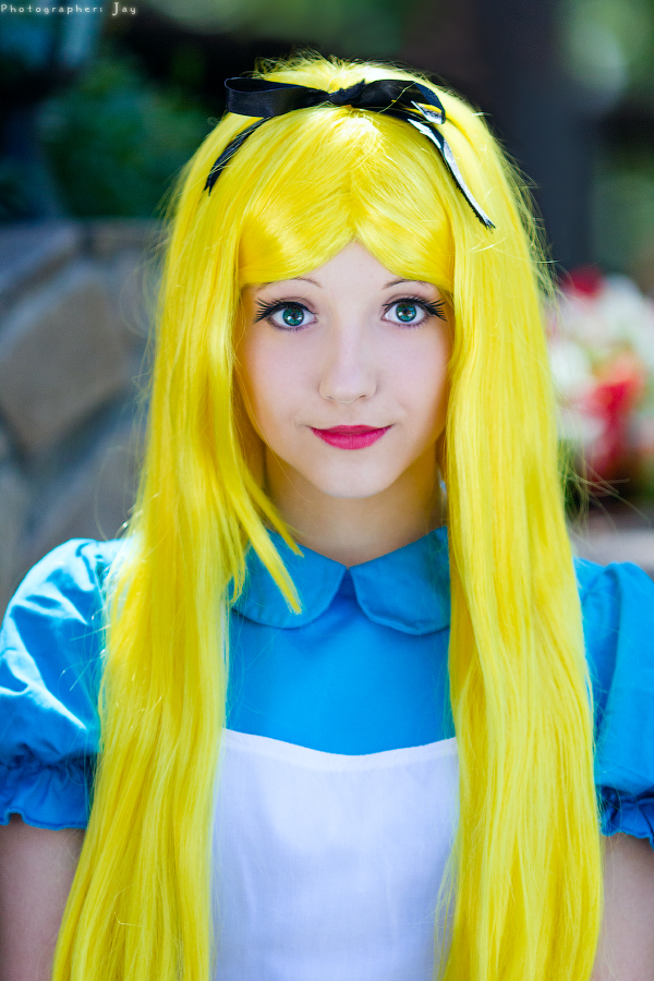 Alice in Wonderland by Ariru-lunaticOo