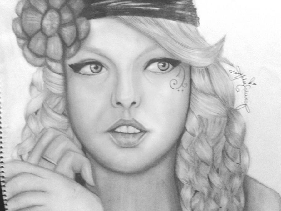 Taylor Swift by Laydeebugg