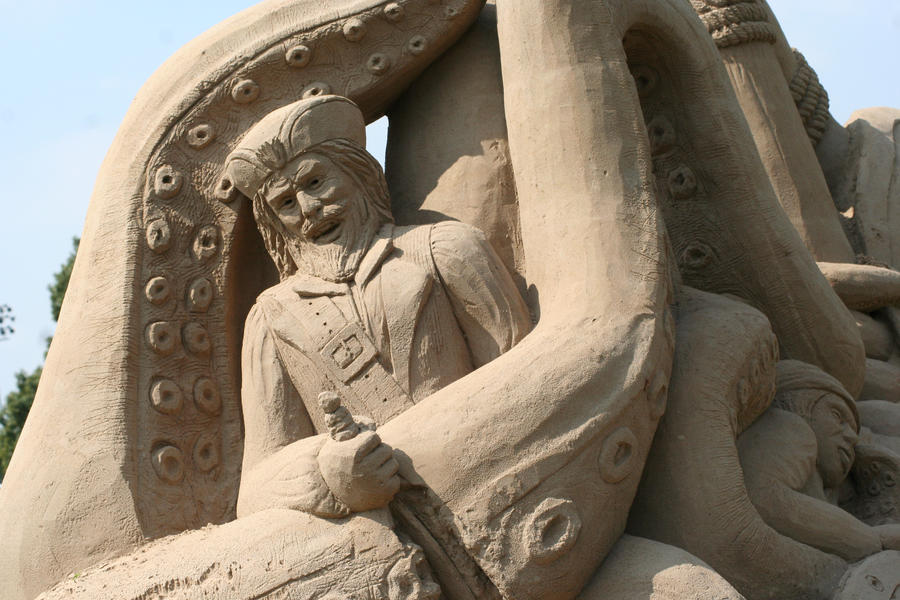 Giant Sand Sculptures VI by Dellessanna