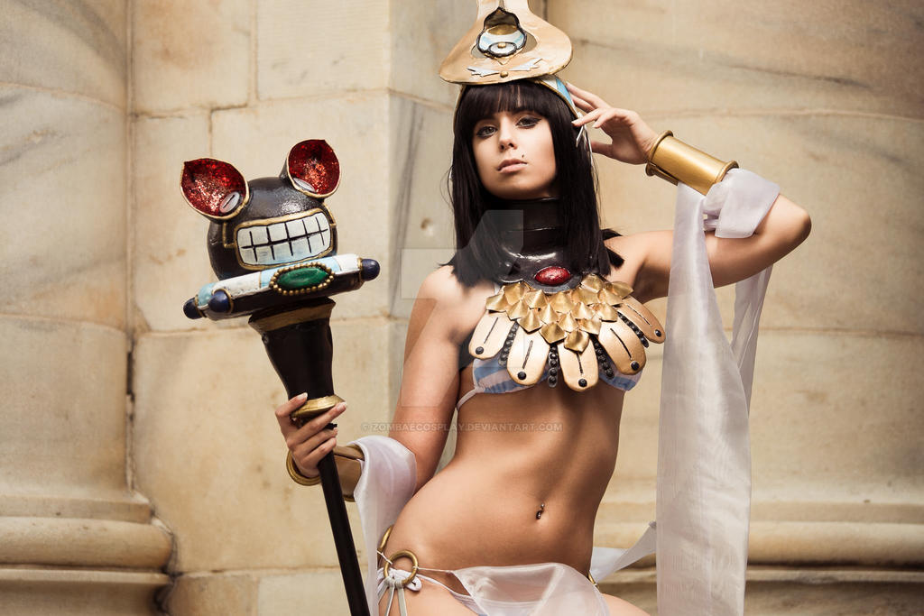 menace queens blade 3 by zombaecosplay on deviantart