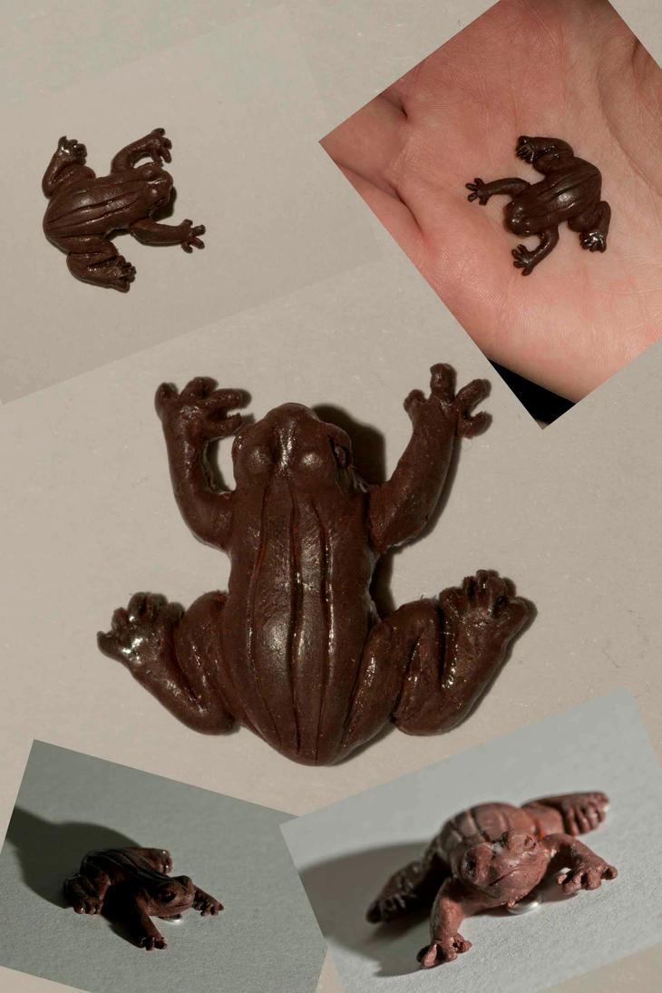 Chocolate Frog pendant by EerieStir