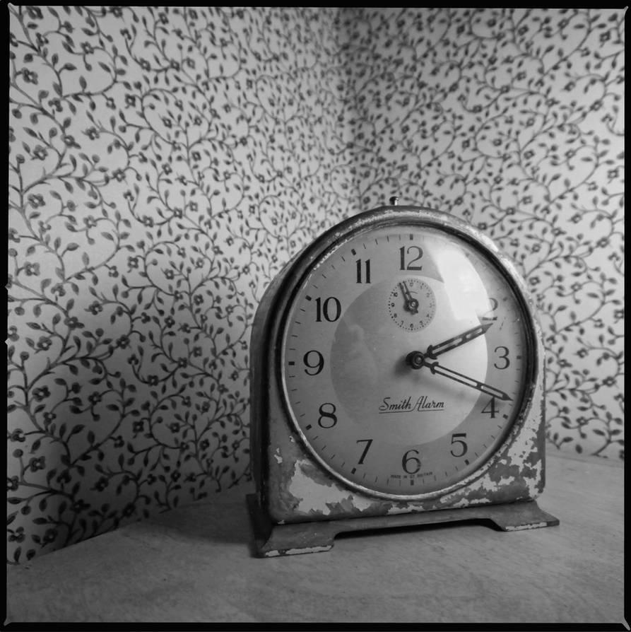 Clock still life by jfdupuis