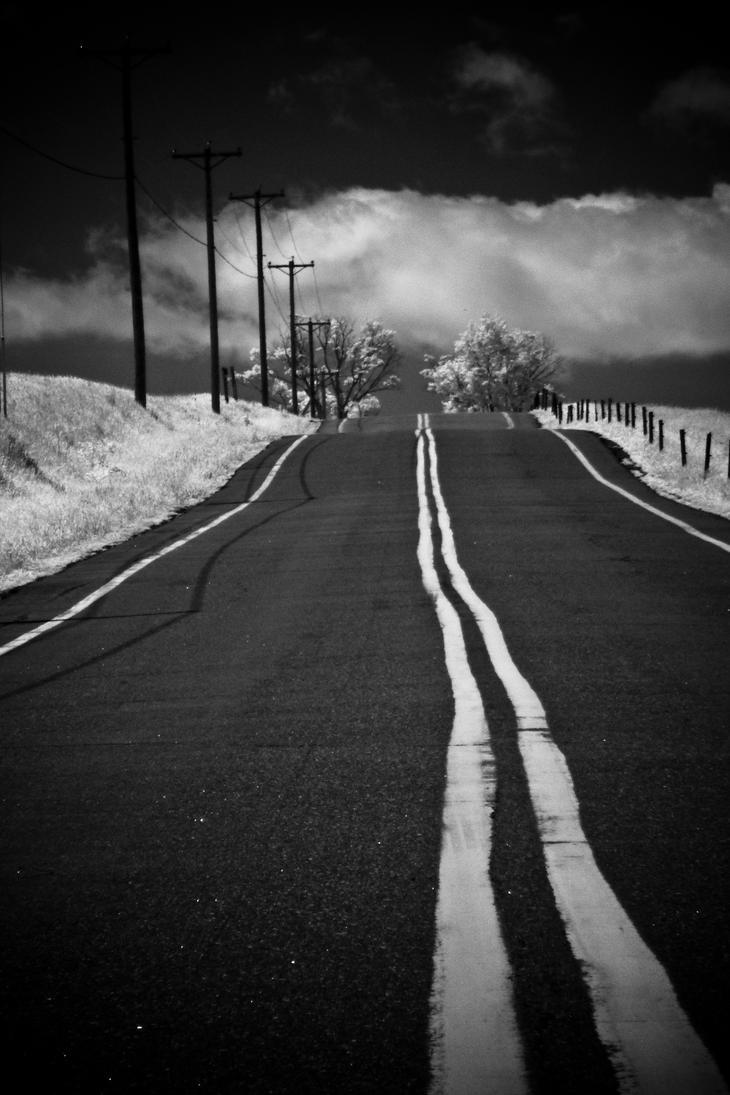 Road contrast by jfdupuis