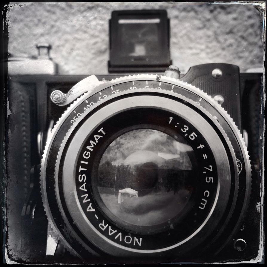 Lens by jfdupuis
