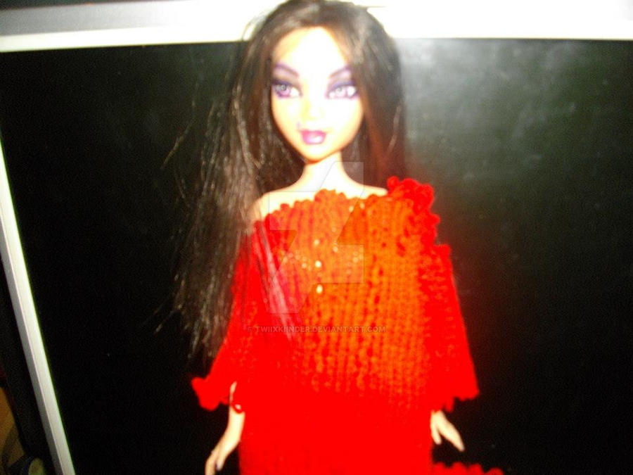 doll1 red
